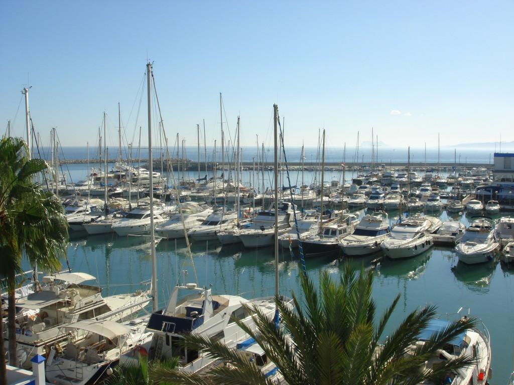 недвижимость у моря в эстепона